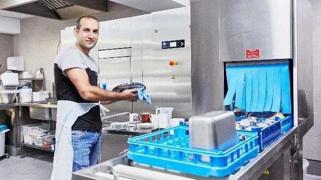 Maschinenbau: Reinigungstechnologie für die Großgastronomie
